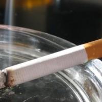 Κάηκε το τραπεζάκι του σαλονιού σας με τσιγάρο;